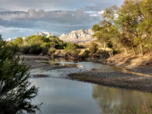 Hiking along the Rio Grande – April 2019